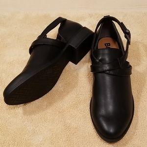 BC Black Vegan Side Buckle Loafer in Size 7